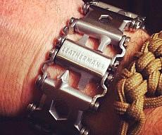 25-in-1-multi-tool-bracelet