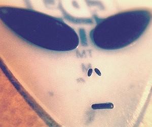Alien Face Guitar Pick