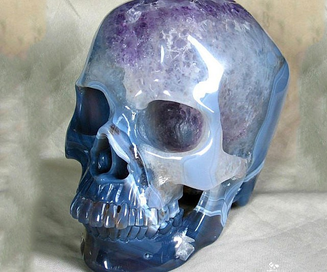 amethyst-carved-skull