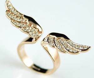 angel-wings-ring