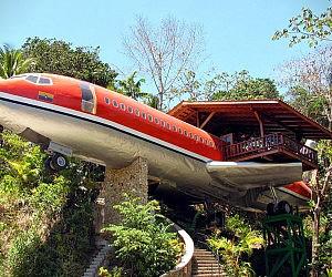 Boeing 727 Hotel Suite