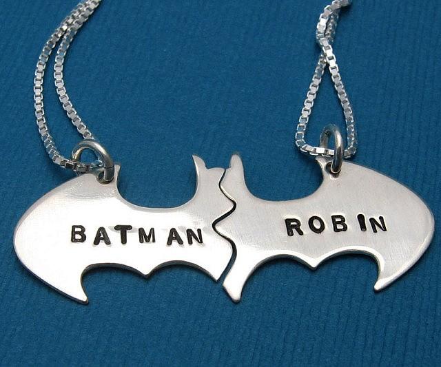 batman-robin-best-friend-necklace