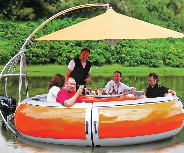 Barbeque Dining Boat