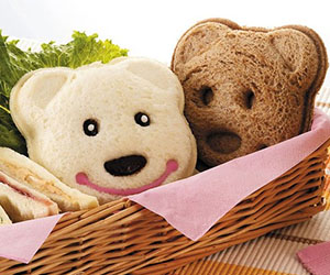 bear-sandwich-mold