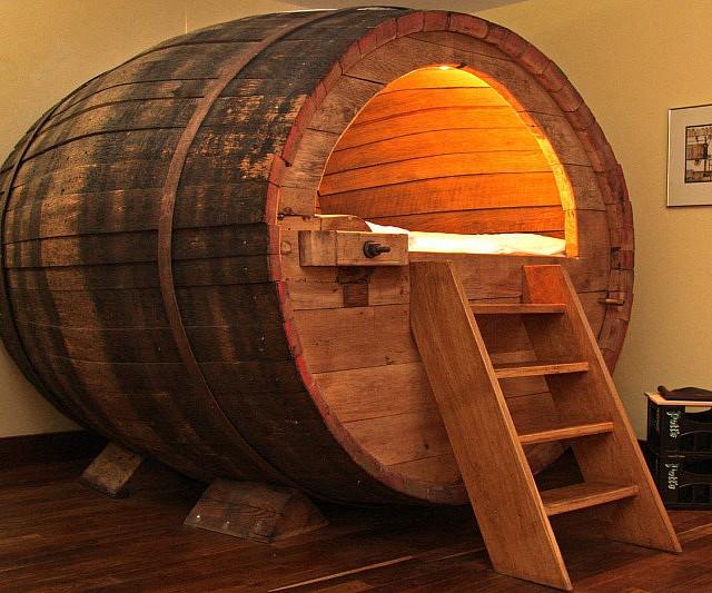 beer-barrel-bed