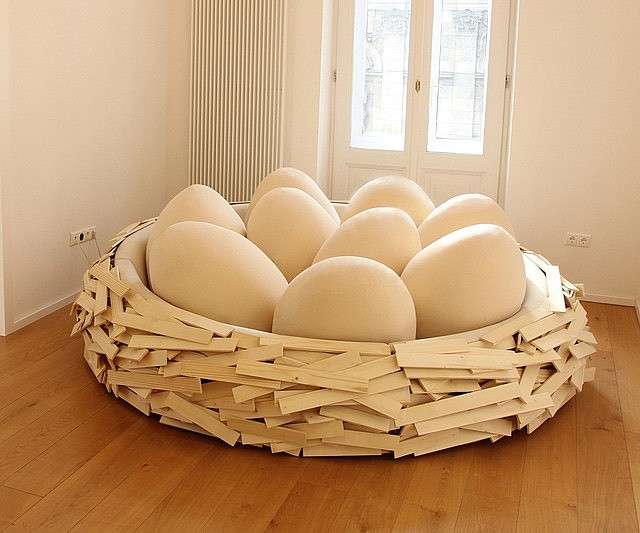 Giant Bird's Nest Bed