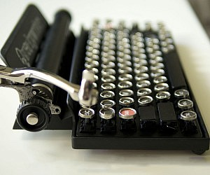 Bluetooth Typewriter Keyboard