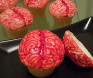 brains-cupcake-mold