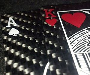 carbon-fiber-playing-cards