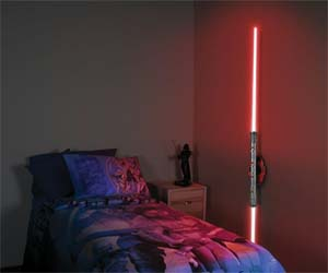 darth-maul-lightsaber-lamp