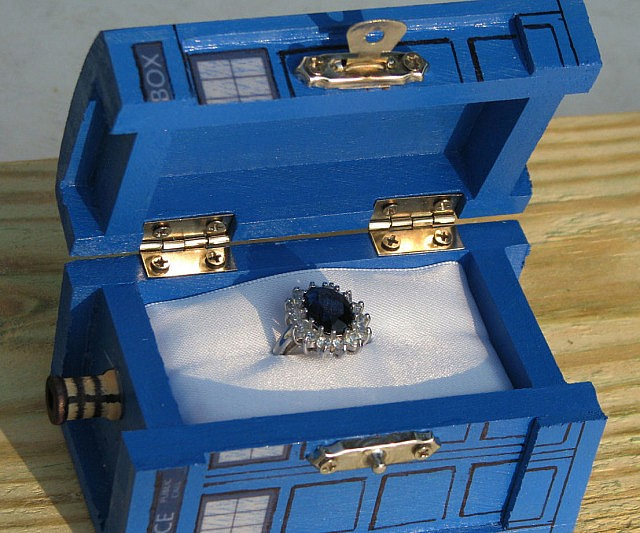 doctor-who-tardis-jewelry-box