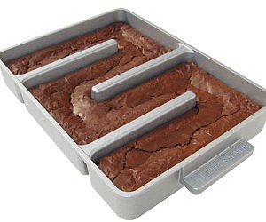 Endless Edges Brownie Pan