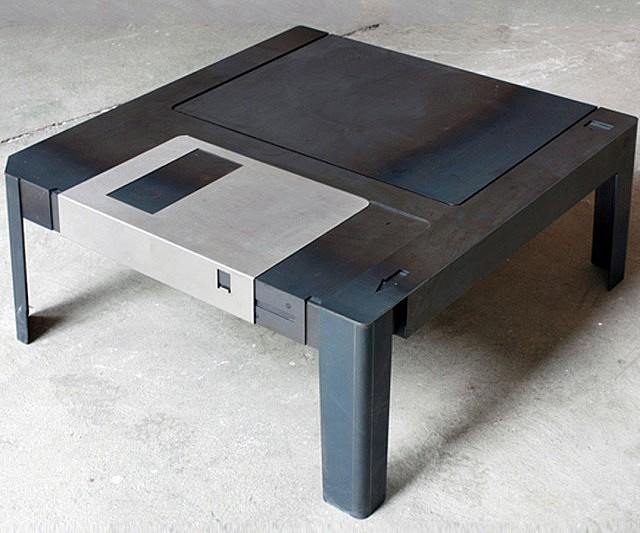 floppy-disk-table
