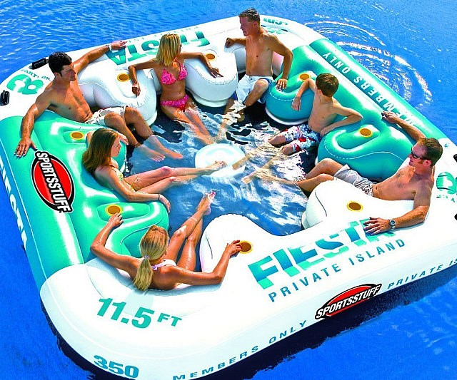 giant-inflatable-floating-lounger