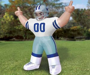 giant-inflatable-nfl-players