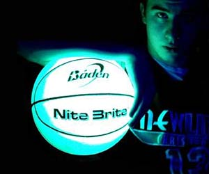 glow-in-the-dark-basketball