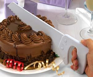 hand-saw-cake-knife