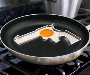 handgun-egg-frying-mold