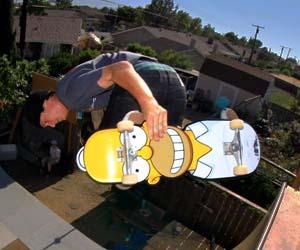 homer-simpson-skateboard