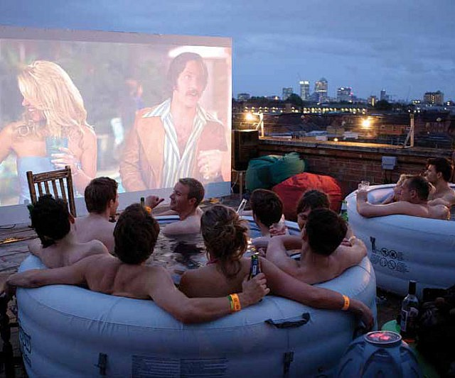 hot-tub-movie-theatre