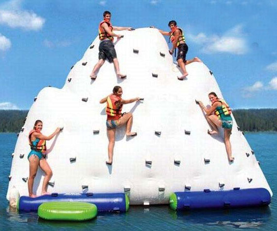 inflatable-iceberg-float