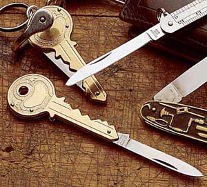 key-shaped-knife
