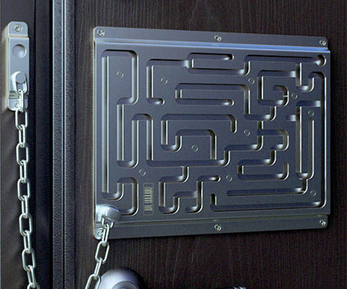 labyrinth-door-lock