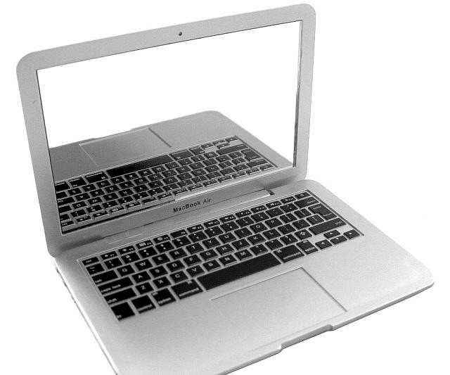 MacBook Pocket Mirror
