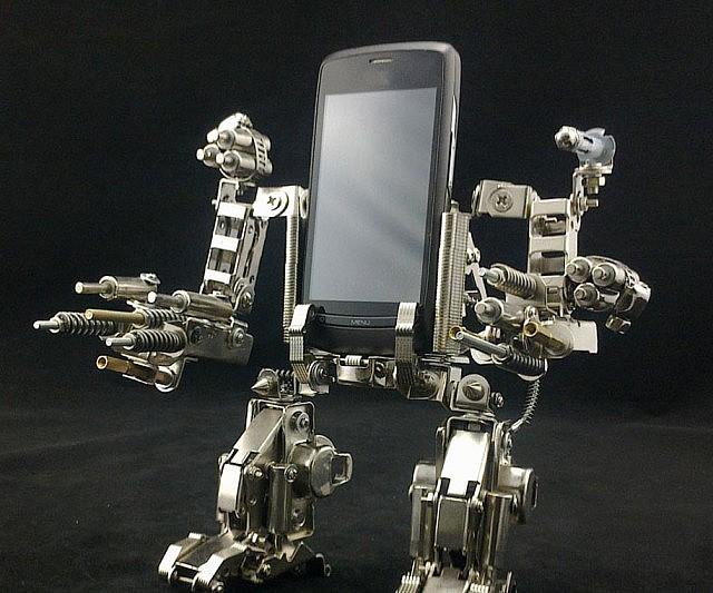 mech-cellphone-dock