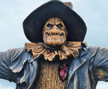 mini-scarecrow-statue