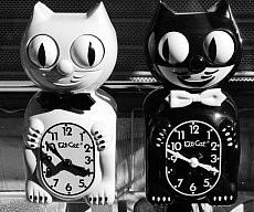 Moving Eye Cat Clock