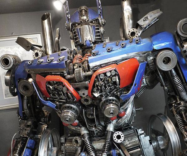 optimus-prime-statue