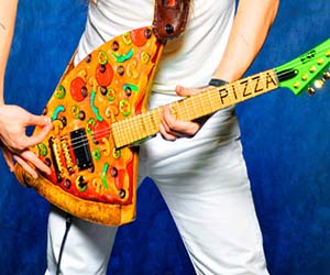 Pizza Guitar