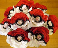 pokeball-rose-bouquet