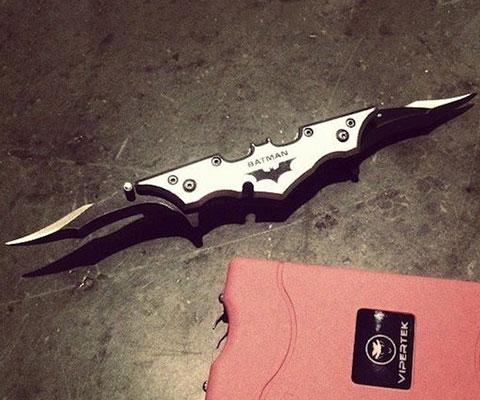 Batman Batarang Knife