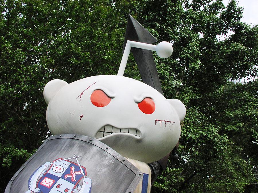 Reddit Alien Statue ThisIsWhyImBroke exclusive