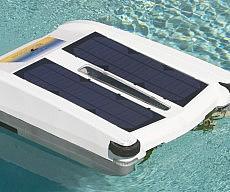 robotic-solar-powered-pool-skimmer