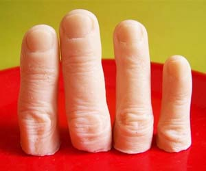 severed-fingers-soap-bars