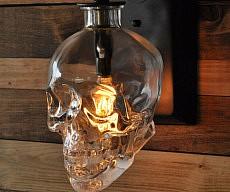 skull-wall-sconce