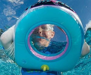Snorkeling Window Pool Float