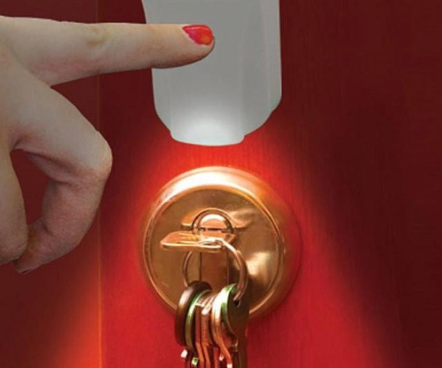 Solar Touch Keyhole Light