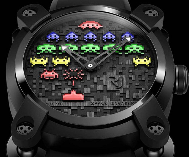 space-invaders-watch