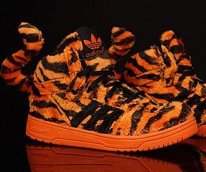 Tiger Tail Sneakers