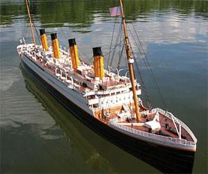 Titanic R/C Boat