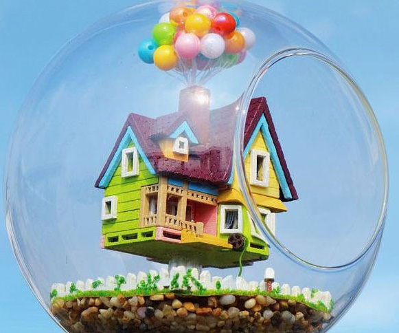 Up House Hanging Glass Terrarium Kit