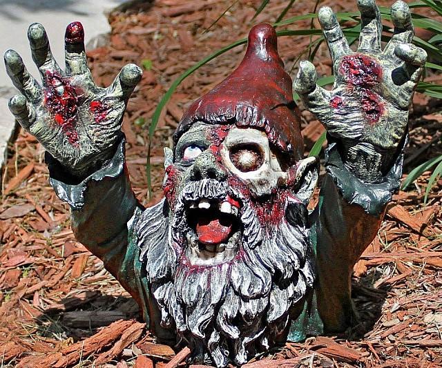 zombie-gnome-decoration